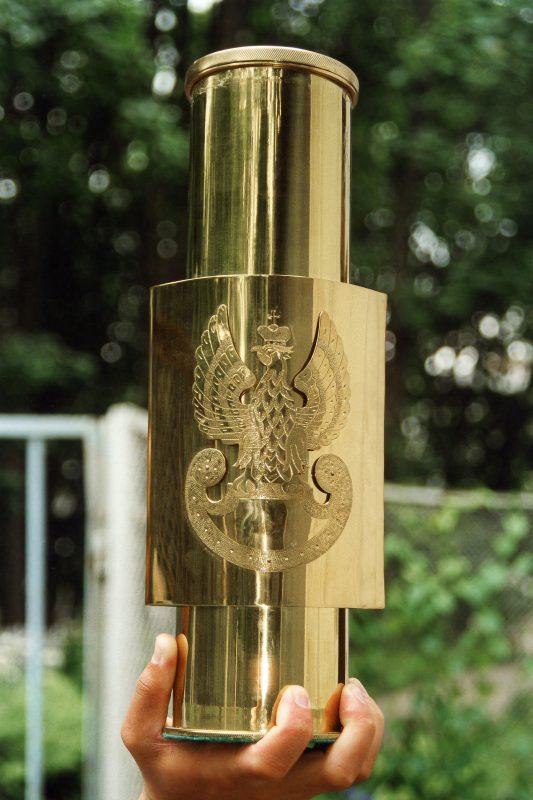 Тубус для учредительного акта Польского военного кладбища в Катыни