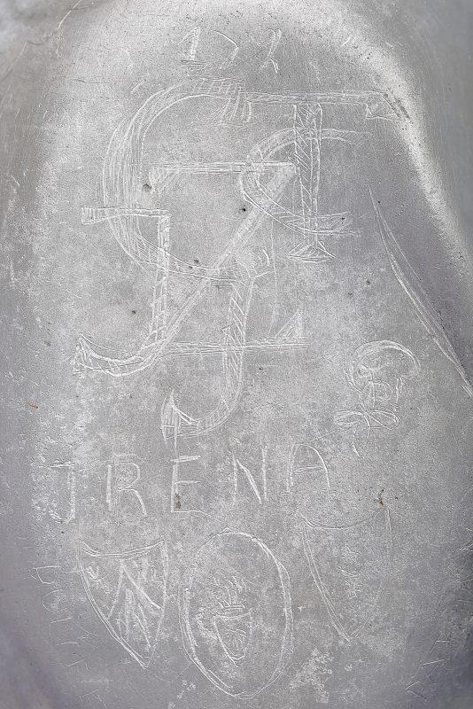 Close-up on the engravings on Tadeusz Ciszewski's mess tin